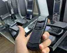 Vertu Signature Black Crocodil Premium s design