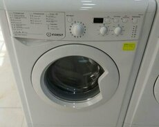 Washing Machine Indesit 5 kg.